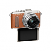 Olympus E-PL8 Pancake Zoom Kit brown
